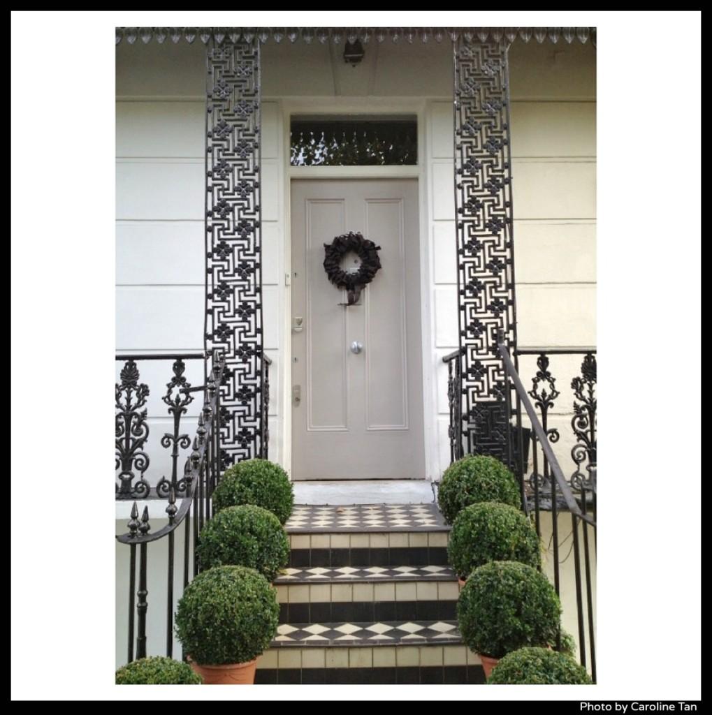 Halloween-wreath-by-Caroline-Tan