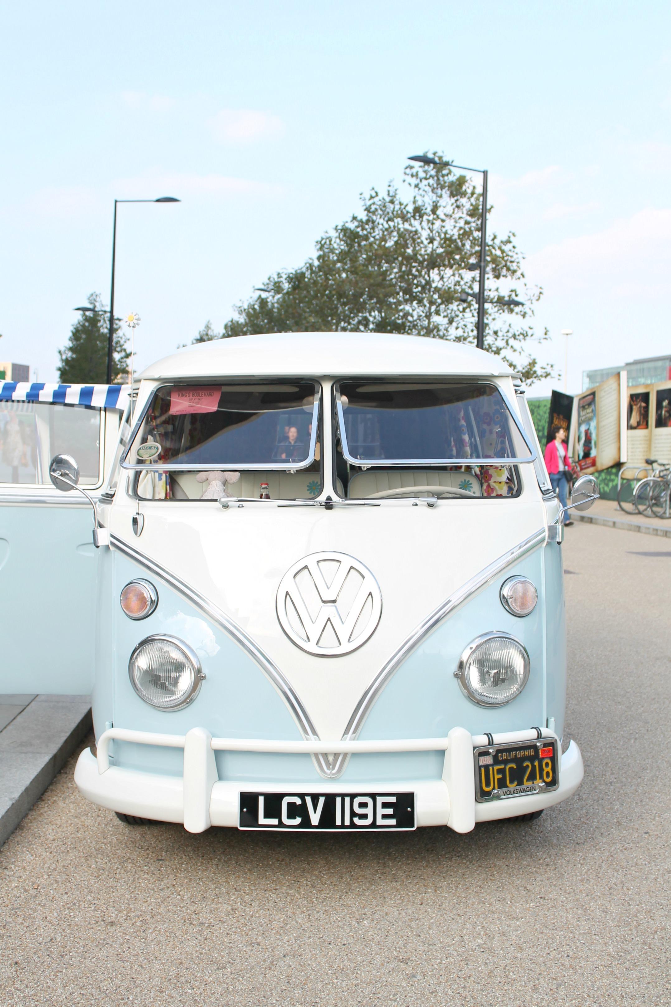 Volks-Wagen-camper-van-in-blue-photo-by-Little-Big-Bell