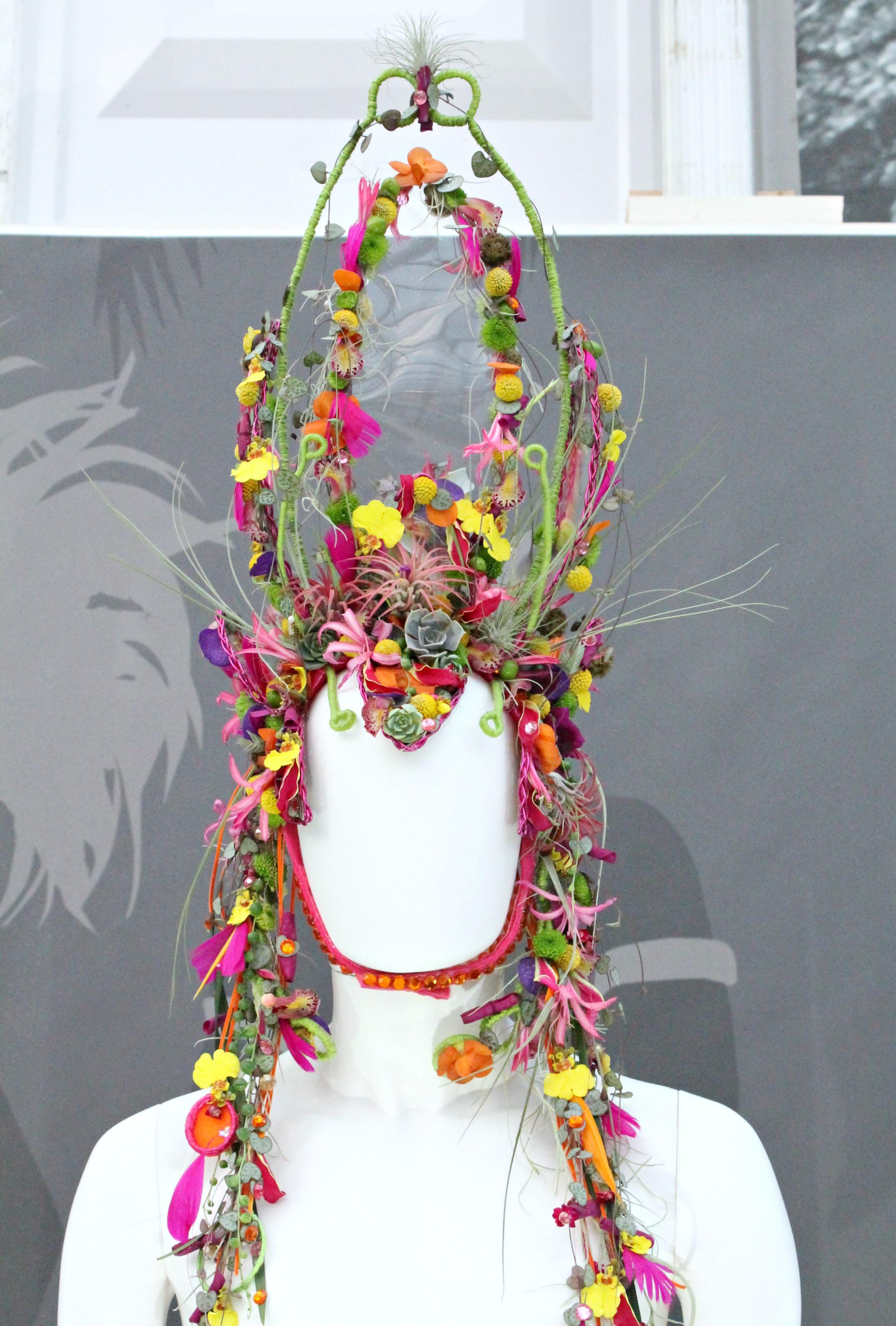 Fleurtatious-Karen-Massey-Chelsea-flower-show-photo-by-Geraldine-Tan-Little-Big-Bell