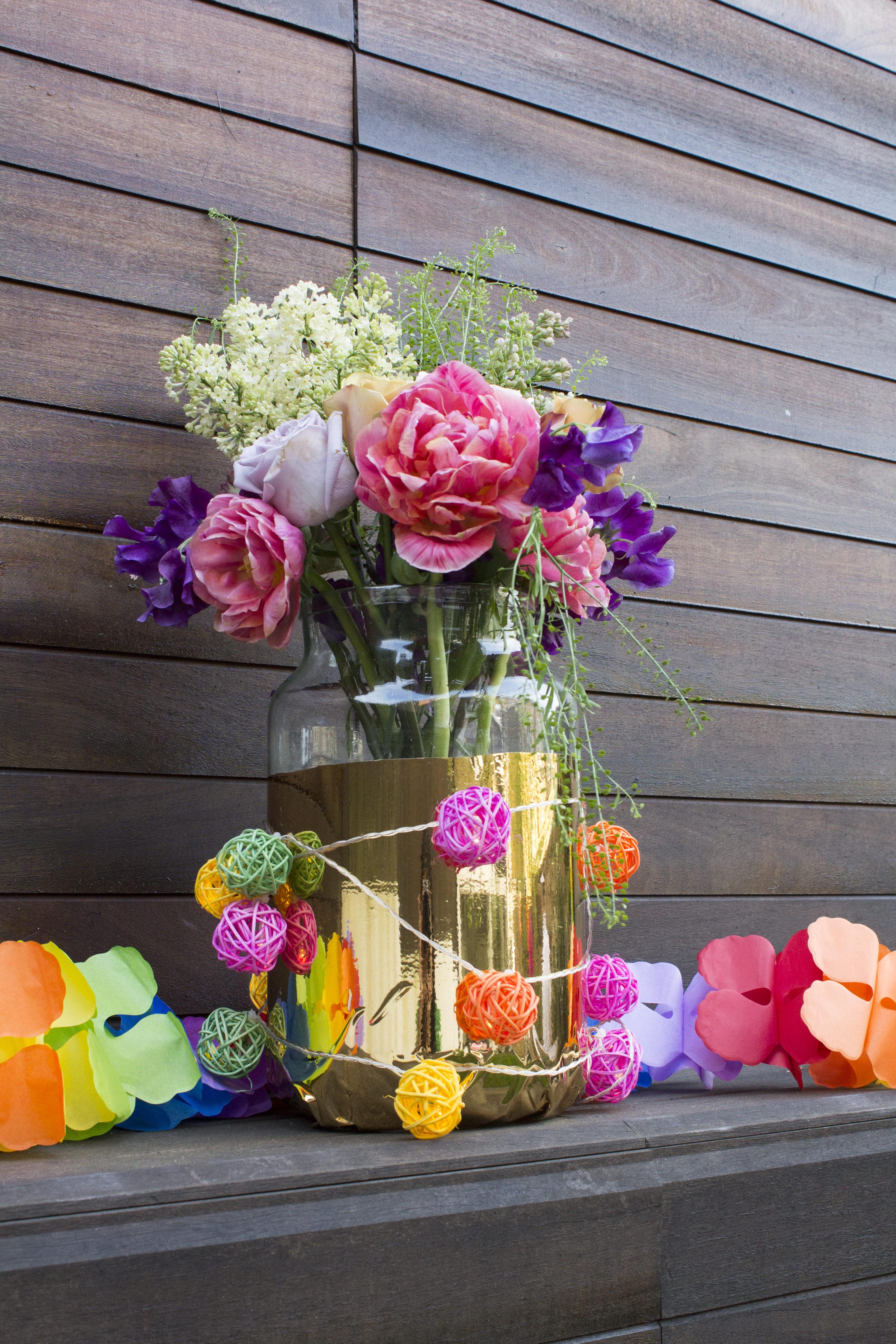 Flower-display-garden-party-Little-Big-Bell