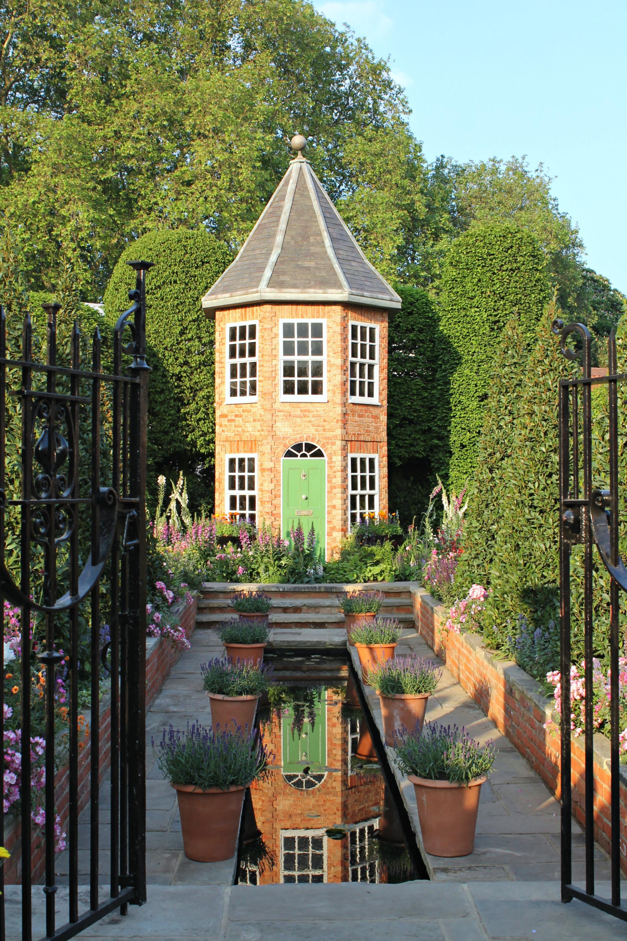 Harrods-garden-Chelsea-Flower-show-photo-by-Little-Big-Bell