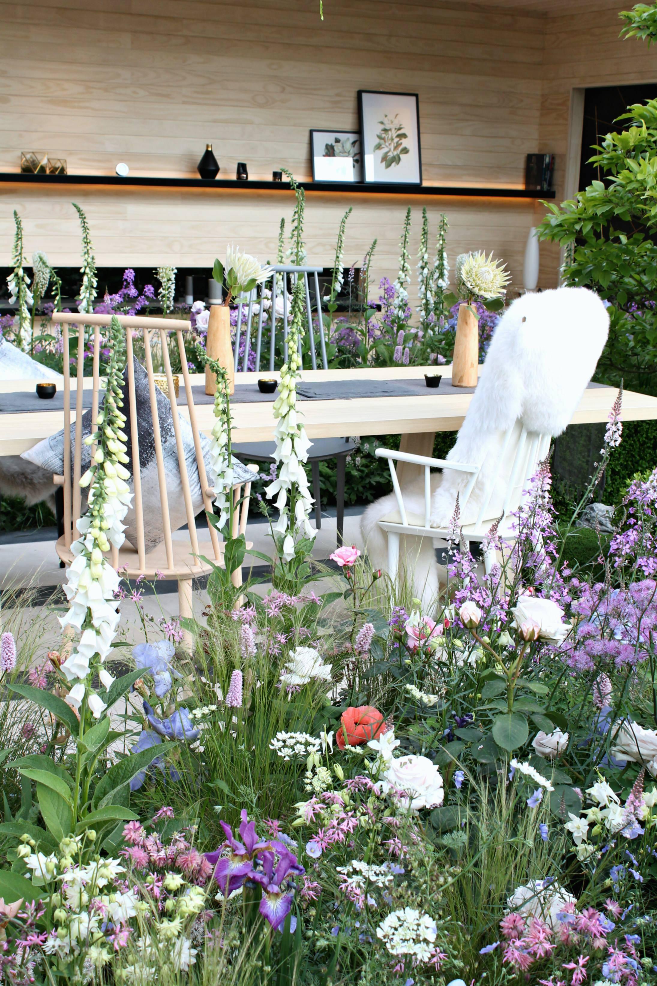 LG-smart-garden-photo-by-Little-Big-Bell