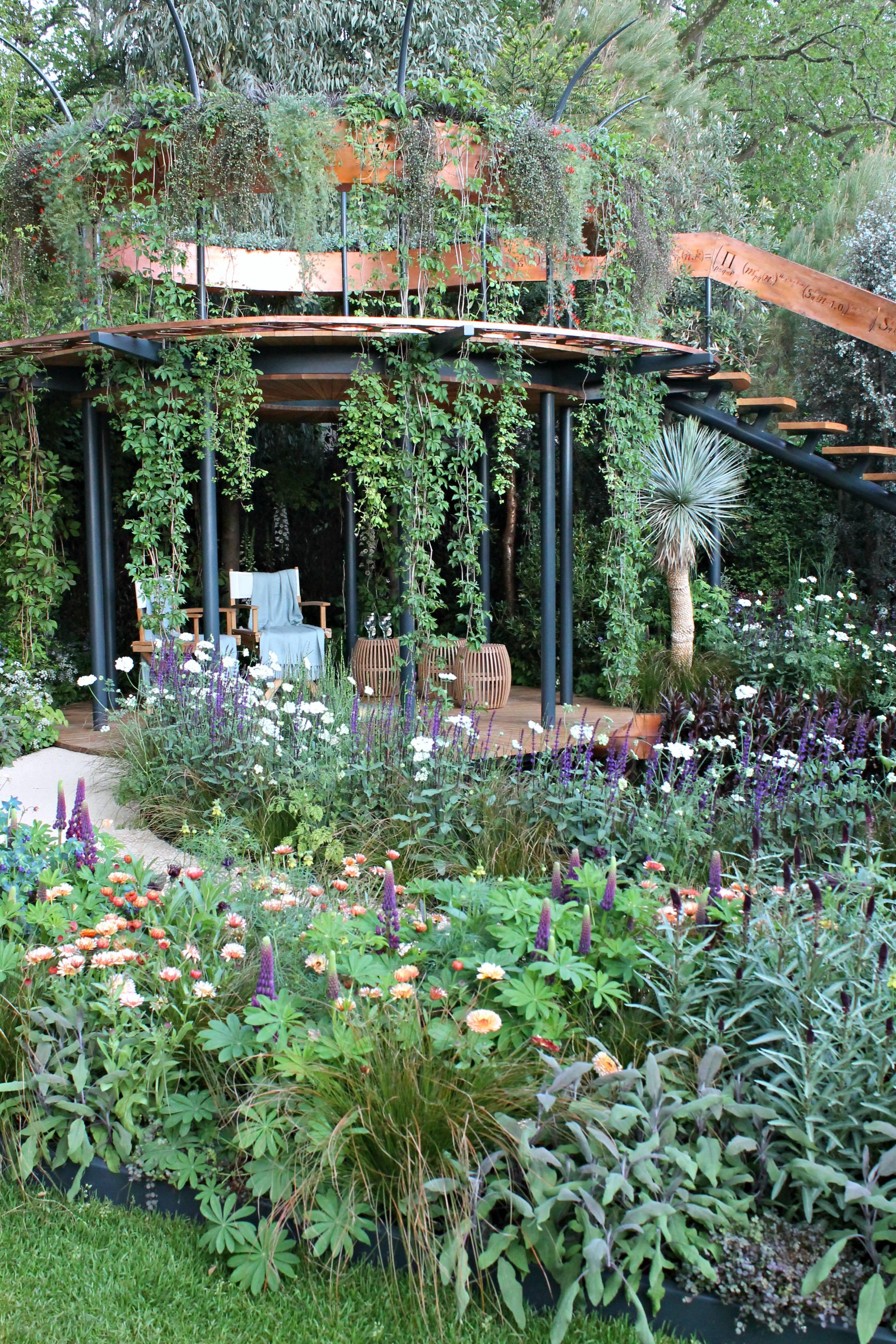 The-Winton-beauty-of-Mathematics-Garden-photo-by-Geraldine-Tan-Little-Big-Bell