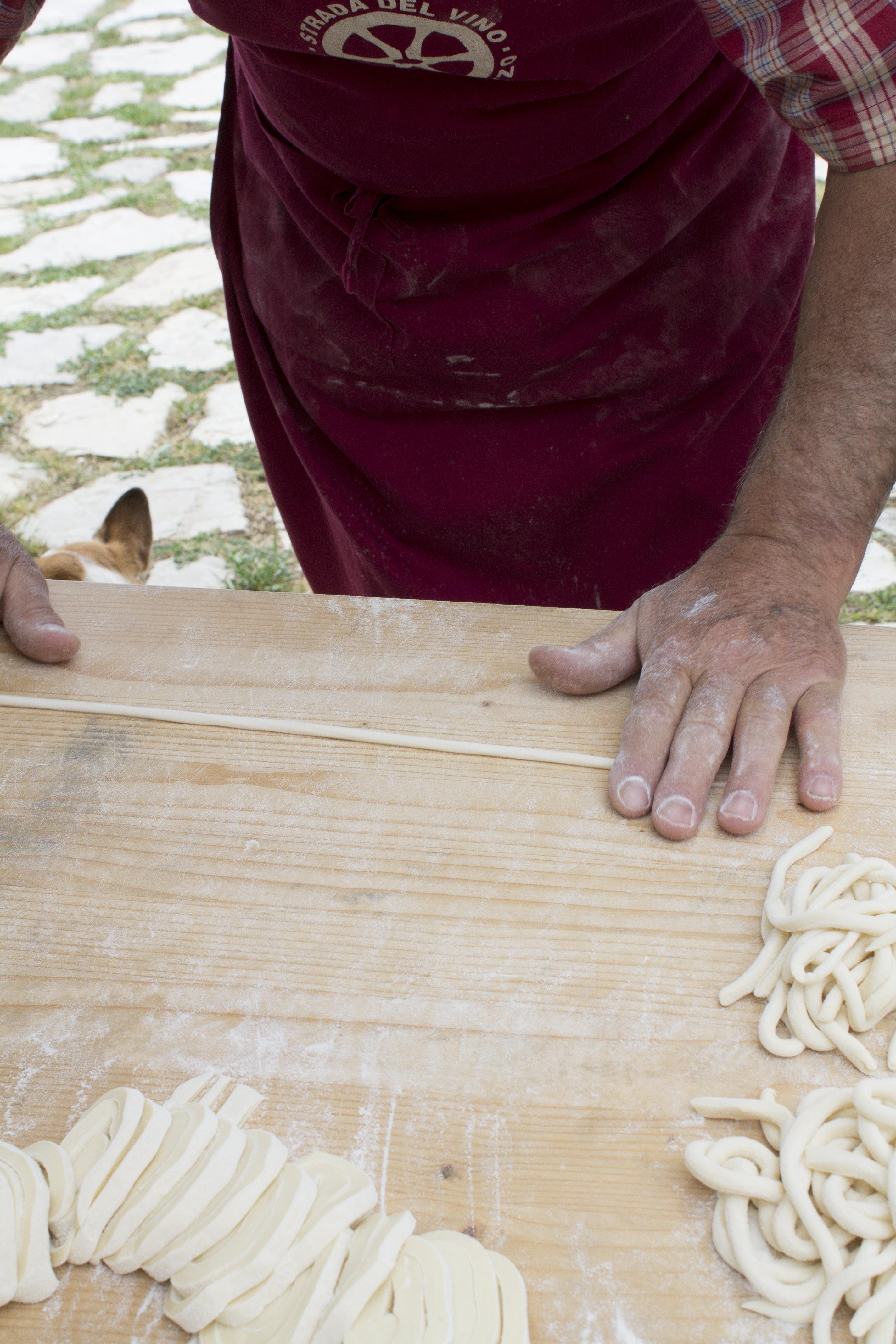 Pici-pasta-making-photo-by-Geraldine-Tan-Little-Big-Bell
