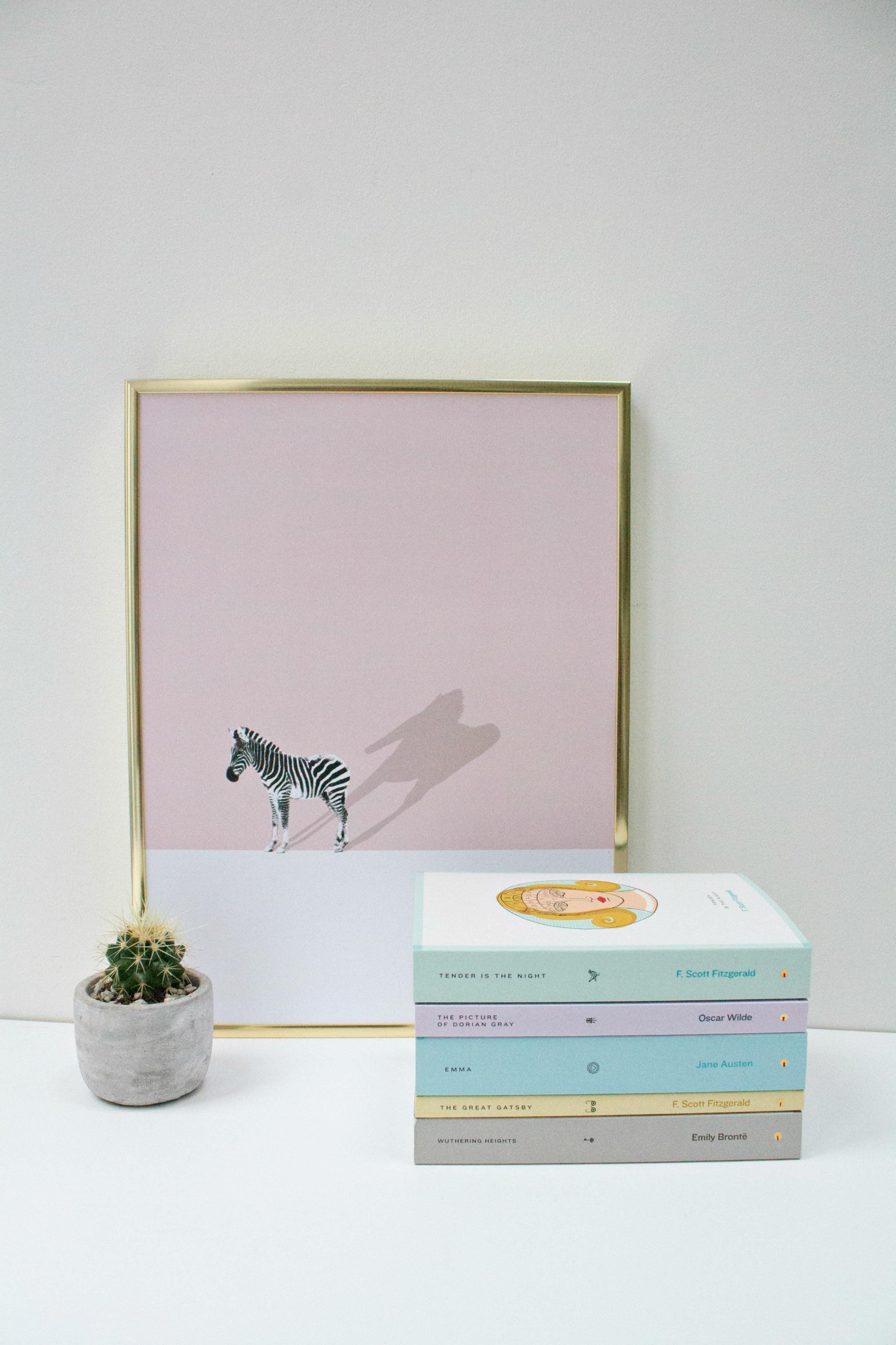 desenio-print-pink-zebra